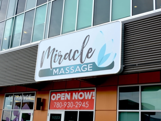 Cabinet Sign - Miracle Massage by LED Pros