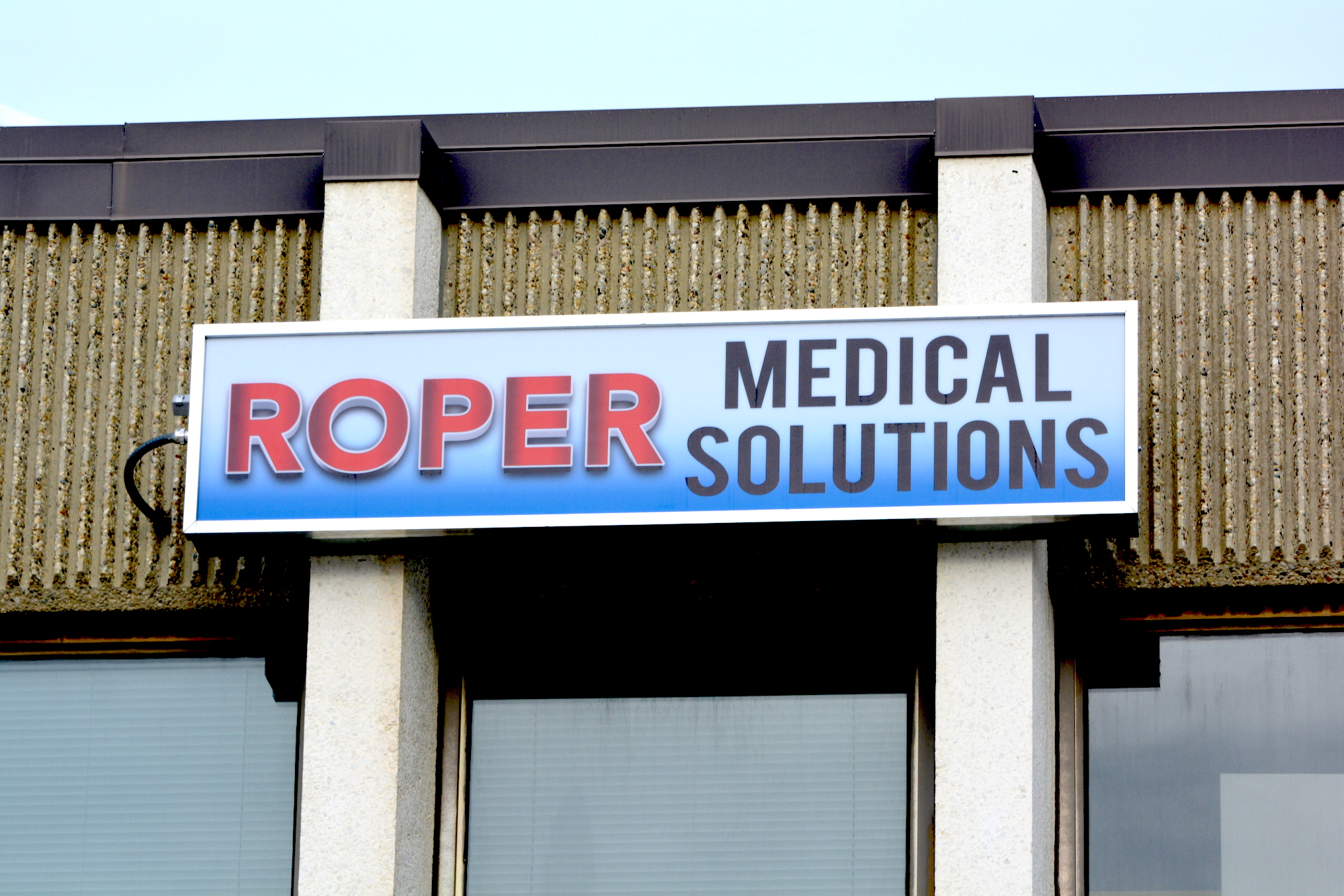 Cabinet Sign - Roper Medical Solutions by LED Pros
