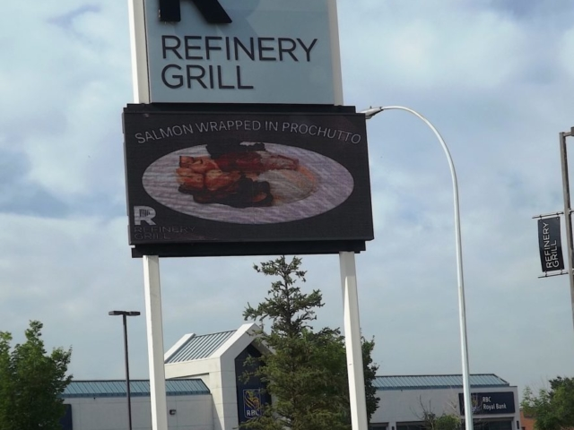 Pylon Sign - Refinery Grill by LED Pros